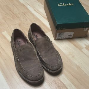 Clarks chambers taupe nubuck shoes 11.5 NEW IN BOX